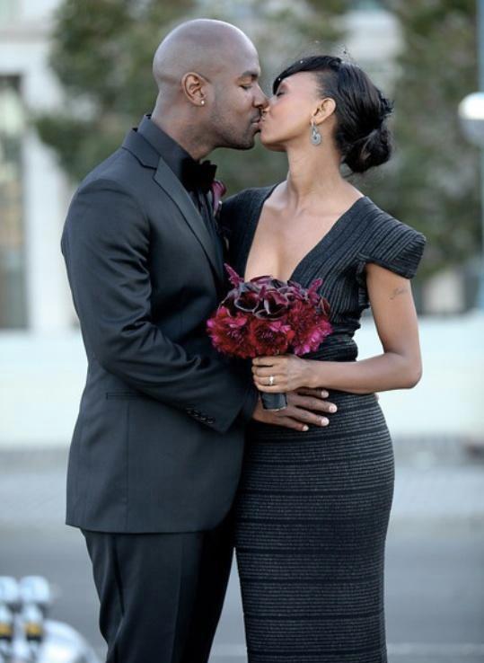 00e17a09346 Svatební šaty pro milovnice černé barvy! Dámy