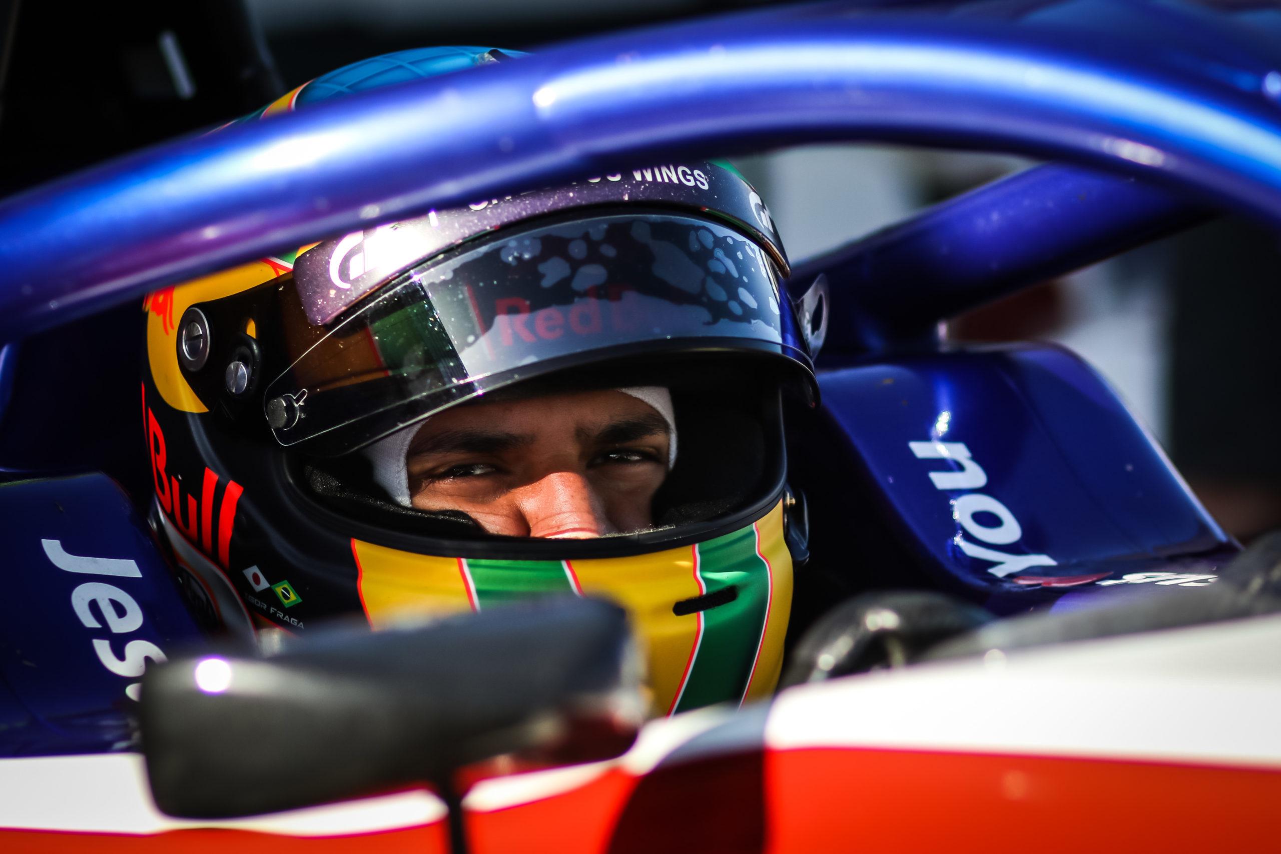 F3 na Silverstone: Fraga má první bod, zlepšení týmu je jasně viditelné