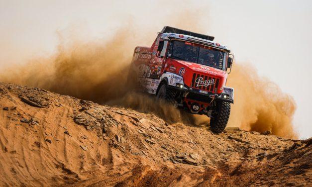 Jak se Aleš Loprais připravuje na Dakaru na start: Hele, jde černoška z Roudnice, jedna je sjízdná